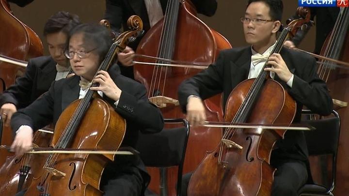 """В концертном зале """"Зарядье"""" выступил японский оркестр """"Йокогама симфониетта"""""""