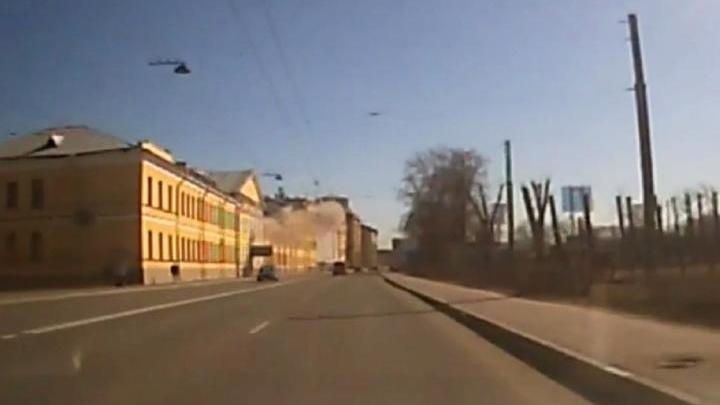 Мощный взрыв в военной академии имени Можайского сняли на видео