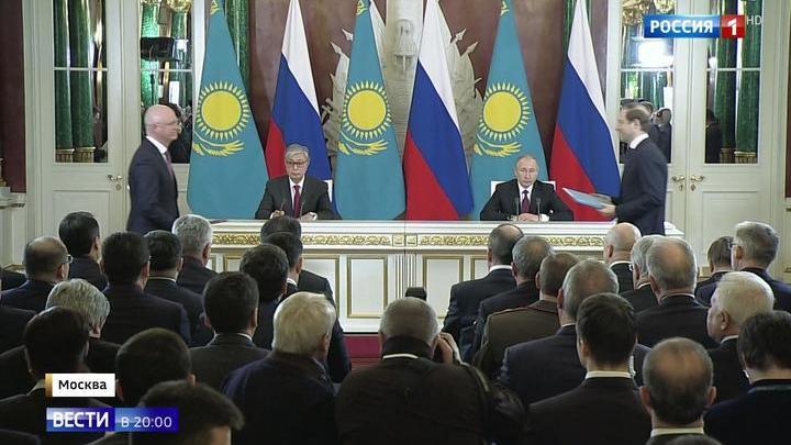 Путин и Токаев обсудили стратегические проекты двух стран