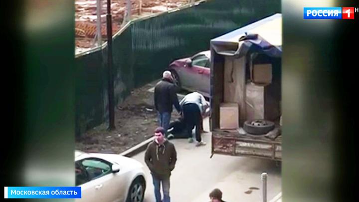 Охранники бизнесмена жестоко избили водителя, случайно перегородившего им дорогу