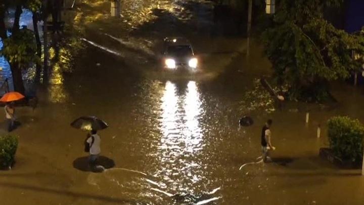 Сильное наводнение стало причиной гибели десятерых человек в Рио