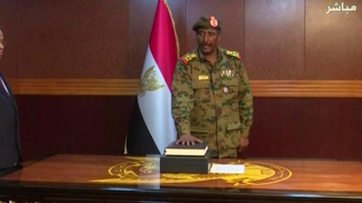 В Судане снова сменилась власть
