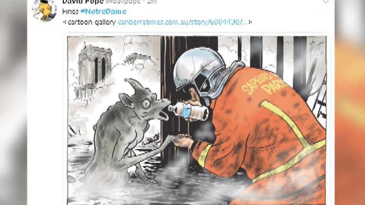"""Нотр-Дам в огне, Париж в слезах: на пожар в соборе откликнулись """"шутники"""" и интернет-тролли"""