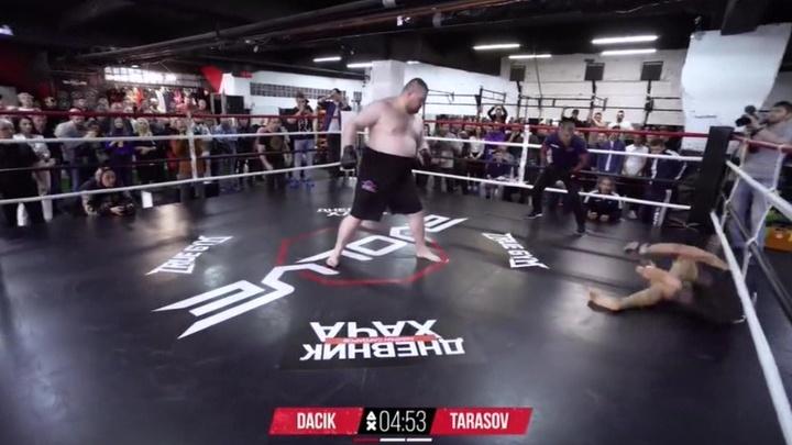 Хайп без правил: Дацик и Тарасов провели самый странный бой года