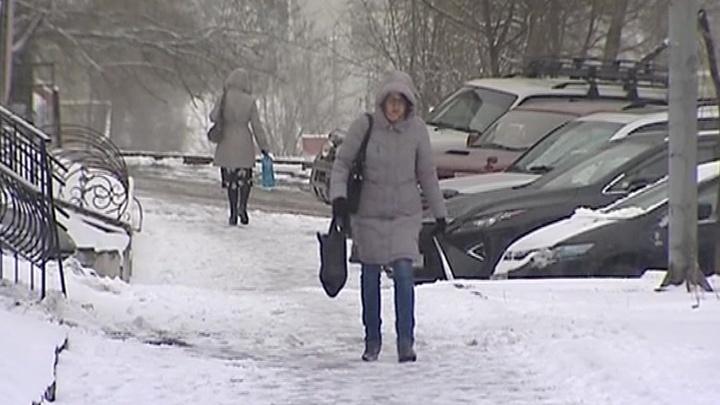 В Хабаровске пришло время лепить апрельских снеговиков