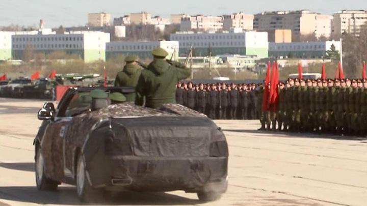 """В День Победы """"Аурус"""" проедет по Красной площади"""