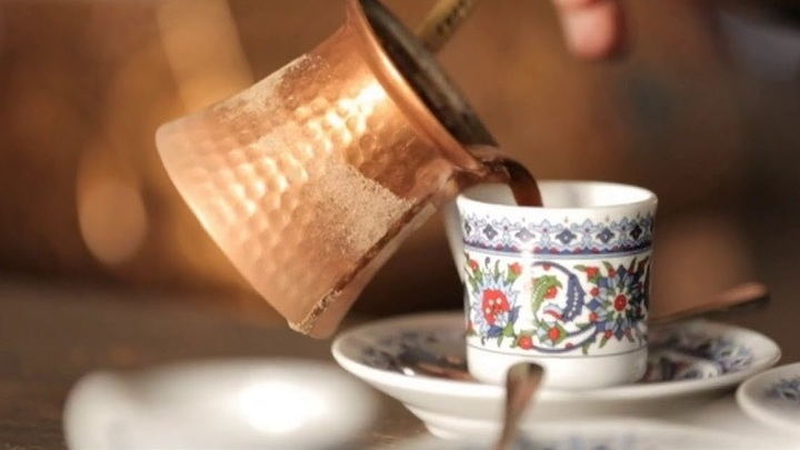 Запах мандаринов и кофе поможет справиться со стрессом на дистанционной работе