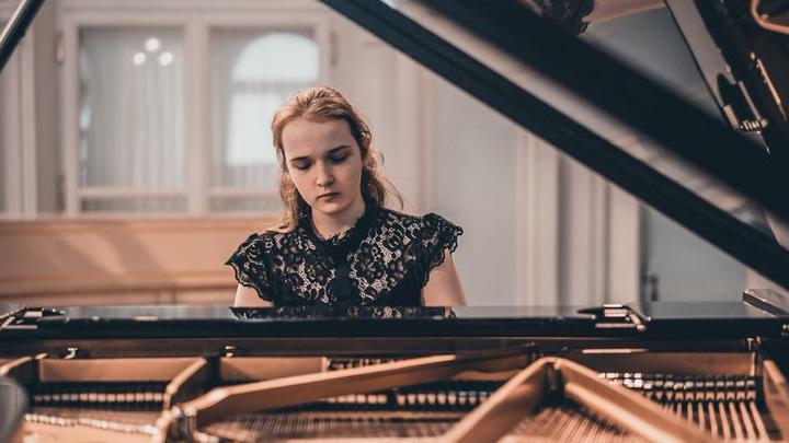 Анастасия Ключерёва,  ученица ЦМШа при  консерватории. Фото Марии Игуменовой.