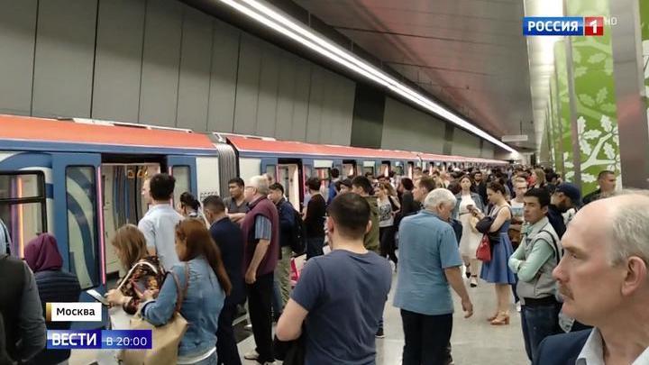 Застрявшие вагоны метро в тоннеле не смогли преодолеть резкий подъем