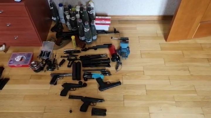Сотрудники ФСБ выявили четыре подпольные оружейные мастерские