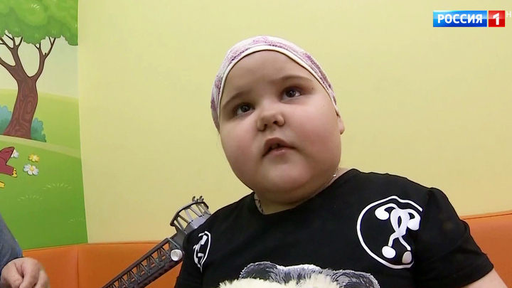 СМС может спасти жизнь: семья 6-летней Сони нуждается в средствах на лечение