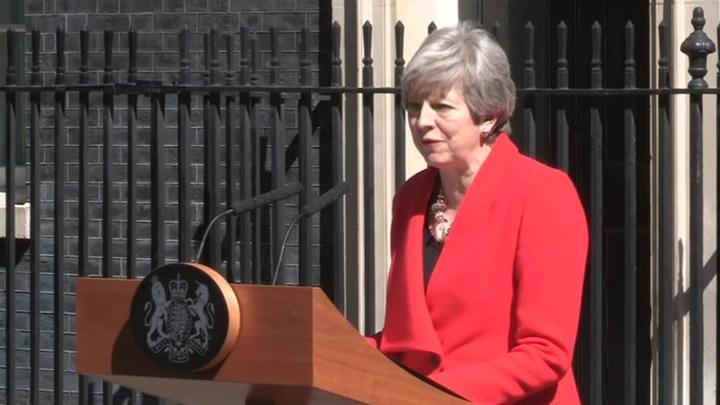 Мэй уходит с поста лидера Консервативной партии
