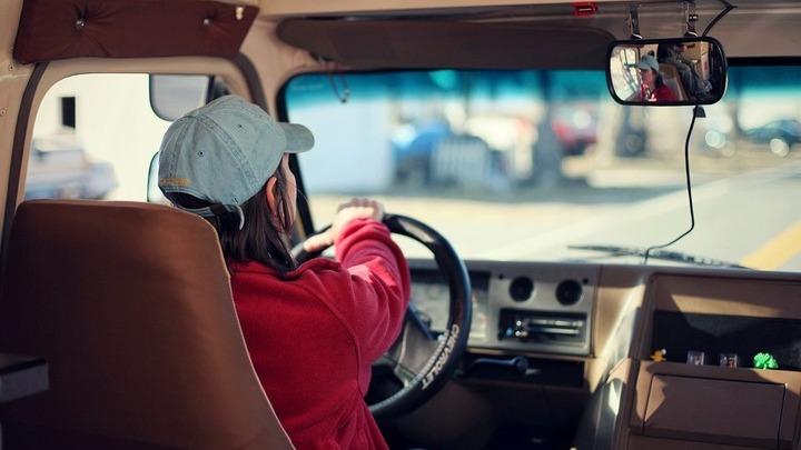 Примерных водителей предложили поощрять скидкой на транспортный налог