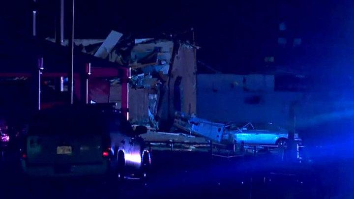 Торнадо снес мотель в Оклахоме: есть погибшие