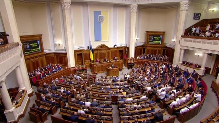 Старт предвыборной кампании на Украине: политики соревнуются с Зеленским в артистизме
