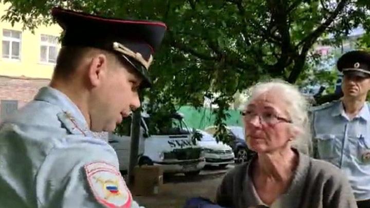"""""""Бездомная"""" у Киевского вокзала оказалась шведской писательницей"""