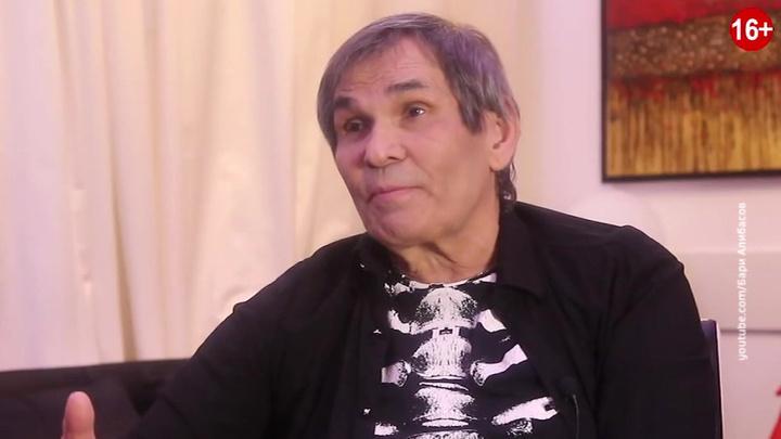 Алибасов пережил решающую ночь: он в сознании, дышит самостоятельно