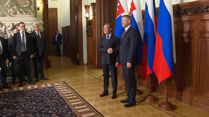 Российско-словацкие переговоры: Дмитрий Медведев обозначил контуры по газовому соглашению