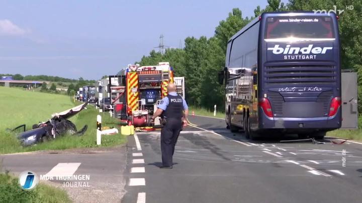 В Германии автобус с детьми попал в аварию