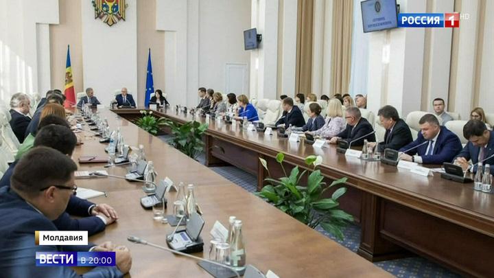 Кризис в Молдове: непримиримые соперники объединились перед лицом общего врага
