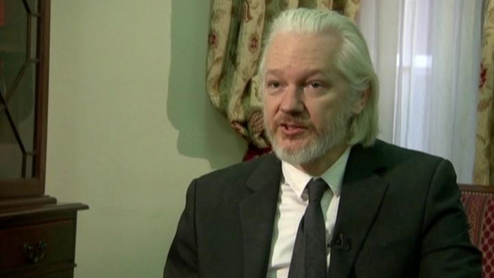 У Ассанжа новые неприятности: Эквадор подозревает его в шпионаже