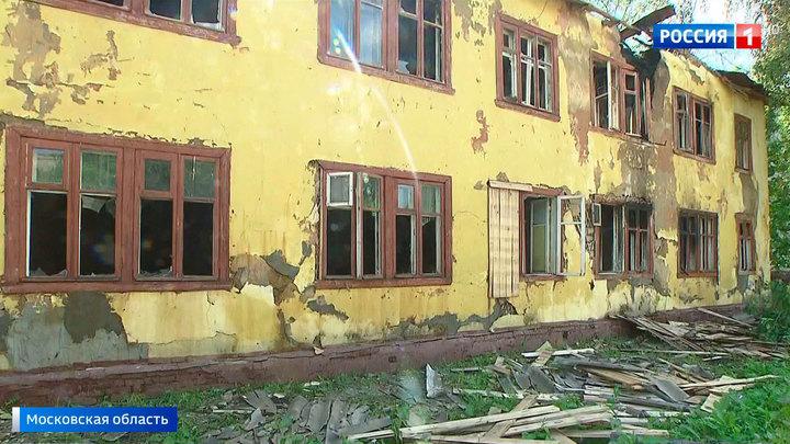 Из очевидцев в спасатели: из горящего расселенного дома в Щелкове вытащили трех человек