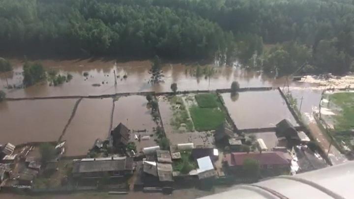 Паводок в Иркутской области подтопил сотни домов