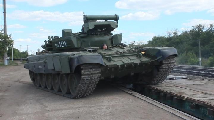 Сразу две внезапных проверки боеготовности начались в российской армии