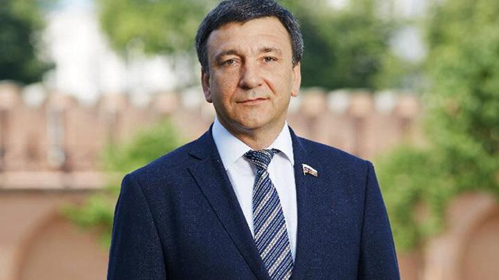 Зампредседателя Комитета по транспорту и строительству ГД ФС РФ  Владимир Игоревич Афонский.