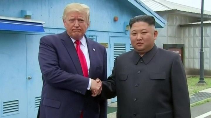 Встреча с Кимом: Трамп провел в КНДР всего несколько секунд