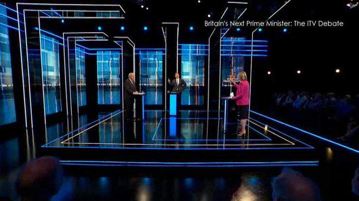 За пост премьер-министра Великобритании борются Борис Джонсон и Джереми Хант