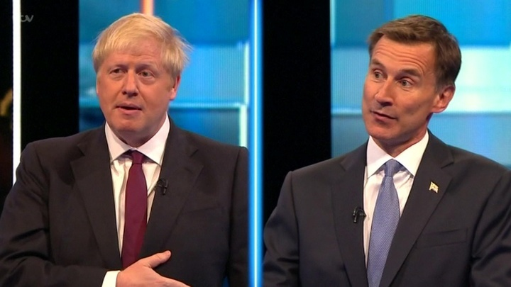 """Британцам придется выбрать между """"ненадежным клоуном"""" и продавцом мармелада"""