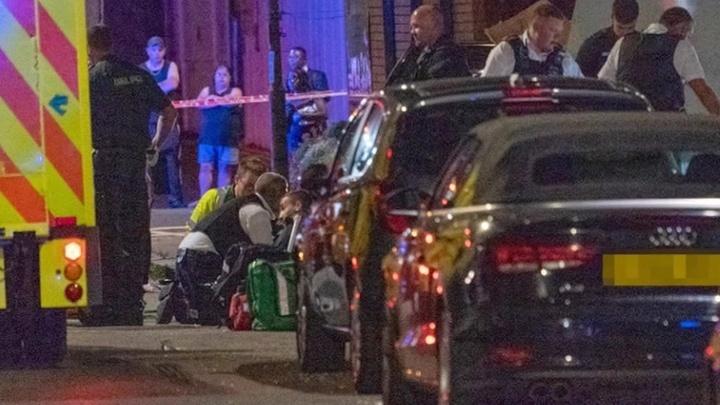 В Лондоне автомобиль въехал в группу людей