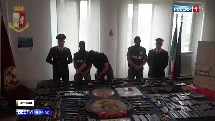 В Италии продолжаются поиски сообщников украинских неонацистов: изъят арсенал оружия