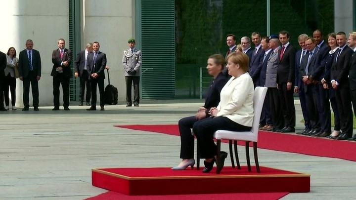 Оппоненты Меркель настаивают на ее медицинском освидетельствовании