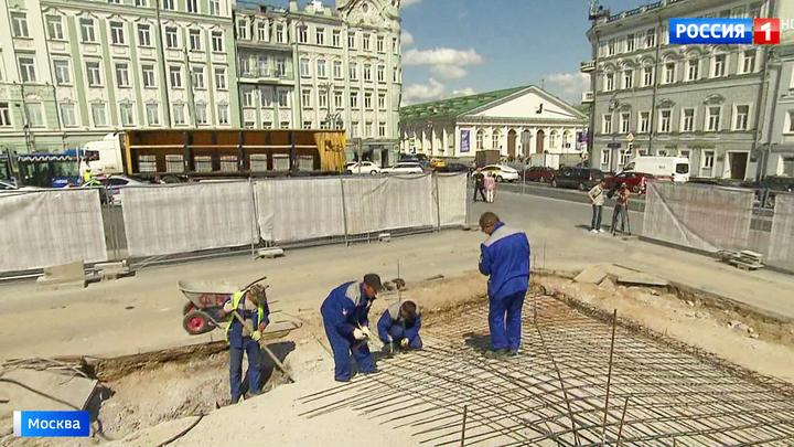 """Сняли старый гранит и начали ремонт: почему главная лестница """"Ленинки"""" попала под реконструкцию"""