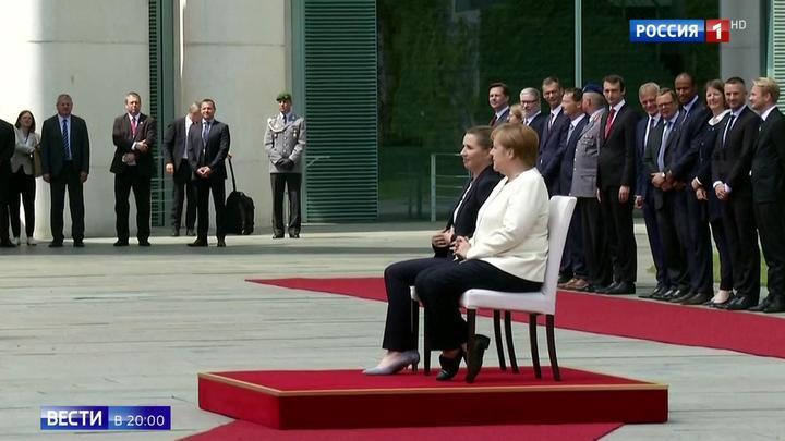 Приступы дрожи и юбилей: Меркель ушла в трехнедельный отпуск