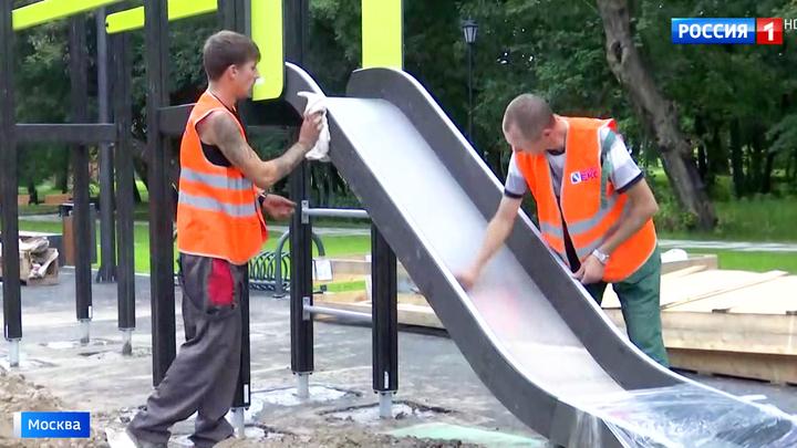 Мэр Собянин осмотрел ход работ в детском Черкизовском парке