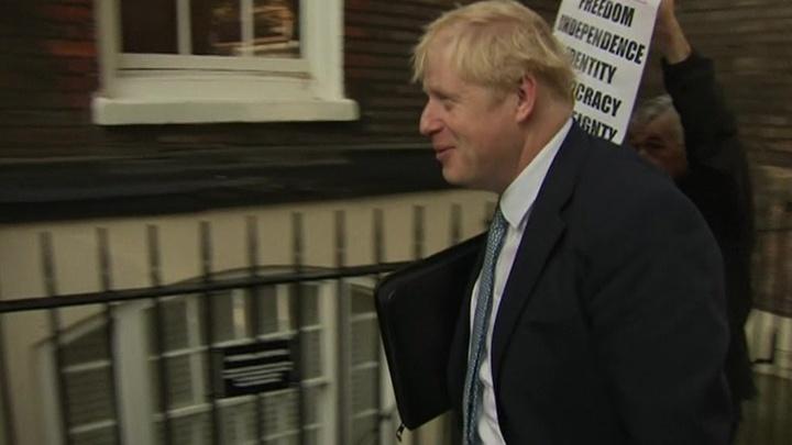 Вместо Мэй: Джонсон принимает поздравления и готовится к битве за Brexit