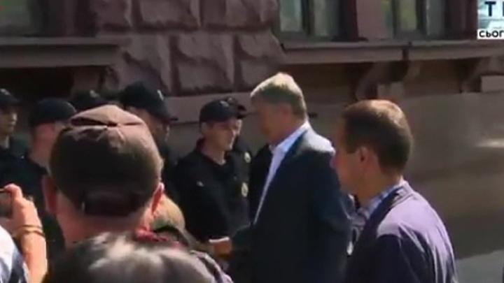 На Порошенко завели уже девятое уголовное дело
