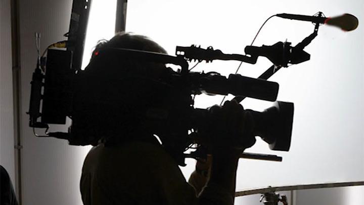 Новые украинские власти решили создать телеканал на русском языке