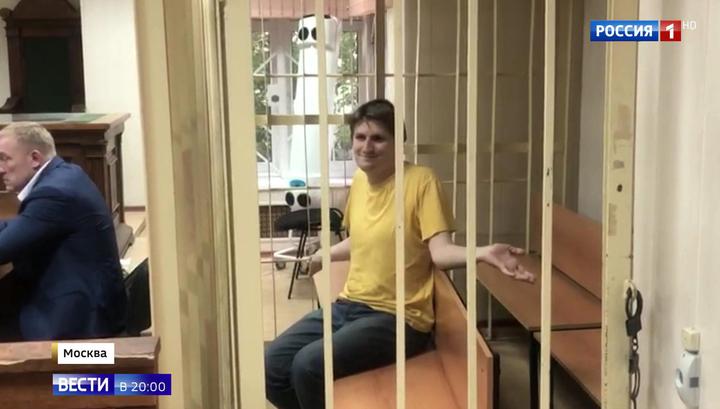 Беспорядки в Москве: пока Синица принимал позы в клетке, рестораторы подсчитывали ущерб