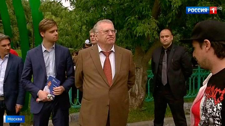 Жириновский проинспектировал раздельный сбор мусора в Конькове