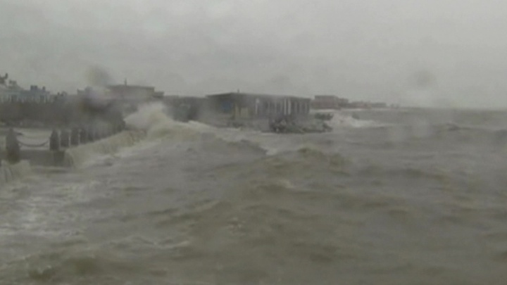 """""""Погода 24"""": тропические циклоны несут экстремальные осадки на Дальний Восток"""