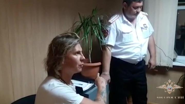 """Буйный турист, летевший из Тель-Авива в Санкт-Петербург, """"посадил"""" самолет в Краснодаре"""