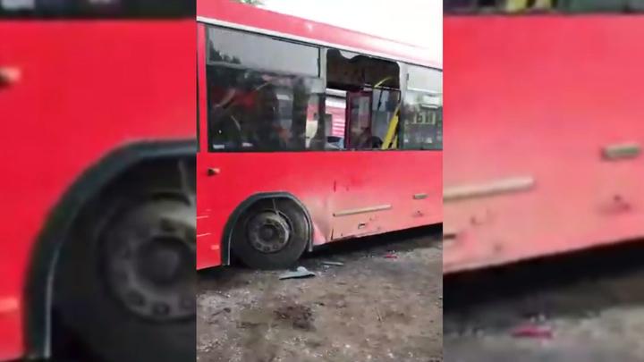 Автобус влетел в угол дома в Перми: без жертв не обошлось
