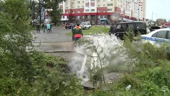 Воды Амура грозят затопить Хабаровск
