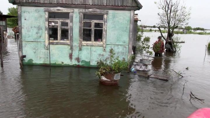 """""""Кроса"""" принес сильные дожди в Приморье: затоплены сотни домов, размыты дороги"""