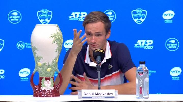 Российский теннисист стал пятой ракеткой мира