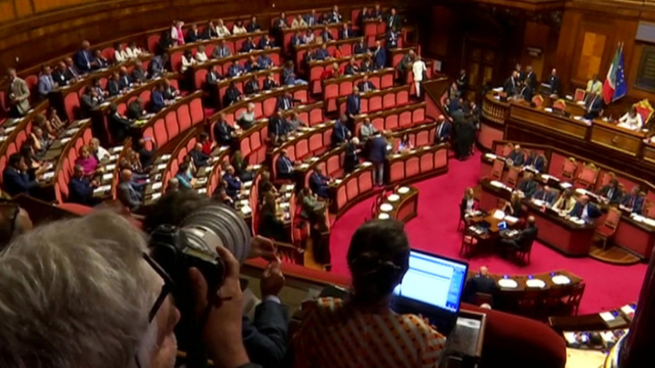 Кризис поставил каникулы на паузу: в Риме обсудят развал коалиции